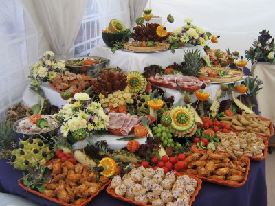 Points to consider in a wedding caterer